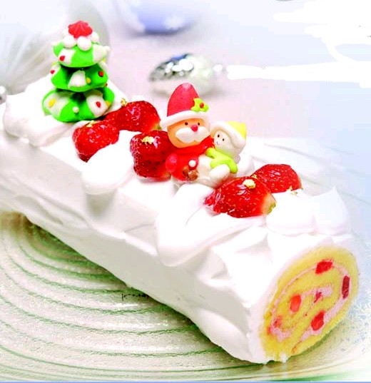 Holland Bakery Strawberry Shortcake Christmas Edition